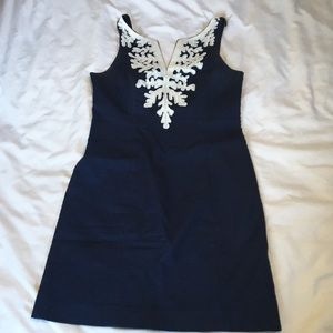 Lilly Pulitzer navy blue shift dress